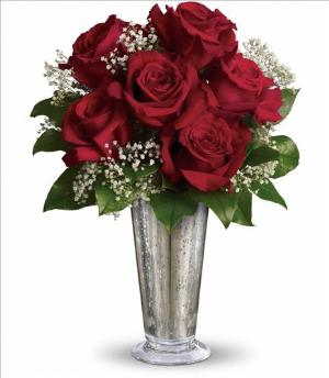 Teleflora's Kiss of the Rose by McAdams Floral, your Victoria, Texas (TX) Florist